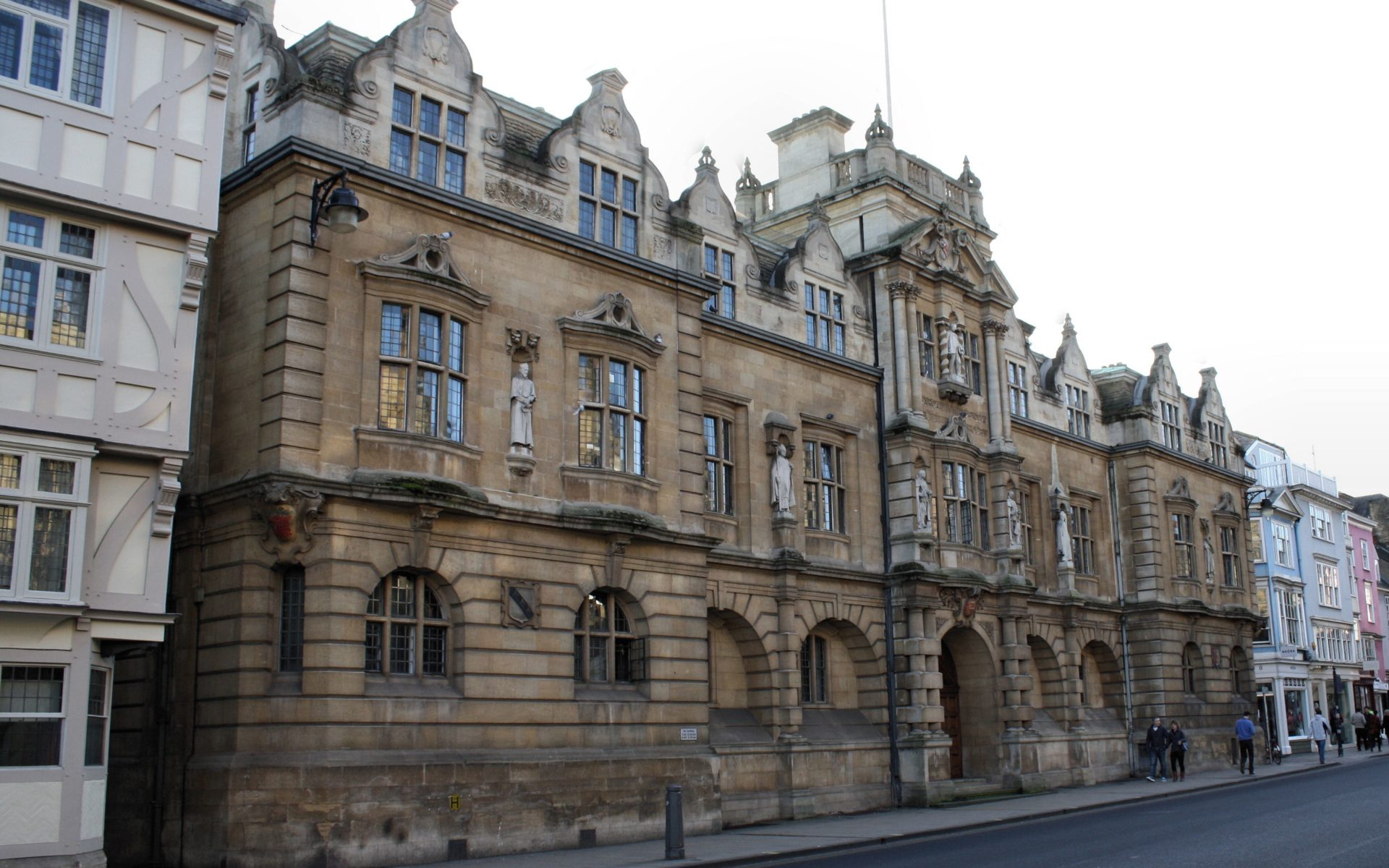 Rhodes Building, Oriel College. By Robert Cutts - https://www.flickr.com/photos/panr/6697486327/, CC BY-SA 2.0, https://commons.wikimedia.org/w/index.php?curid=91167023